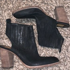 Dolce Vita Shoes - Dolce Vita western style booties